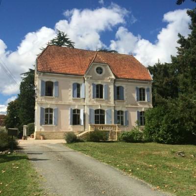 Chateau de la cheine — a review